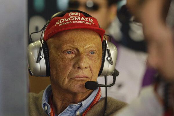 Niki Lauda počas tréningu v Sao Paule 7. novembra 2017.