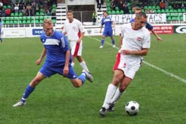 Zápas bolo typickým derby, v ktorom nechýbali bojovnosť a nasadenie.