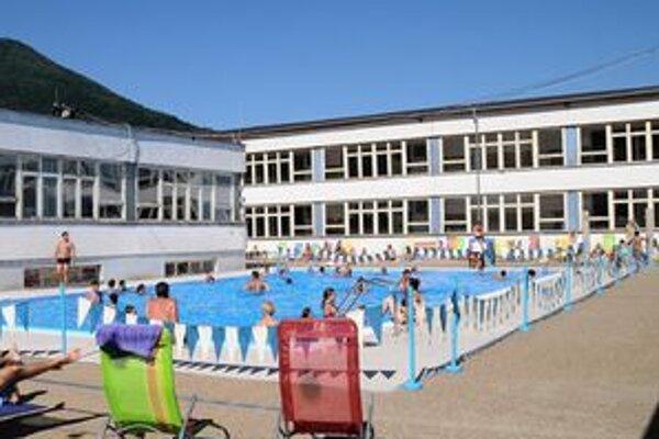 Bazén v Tisovci bol uvedený do prevádzky v auguste tohto roka.