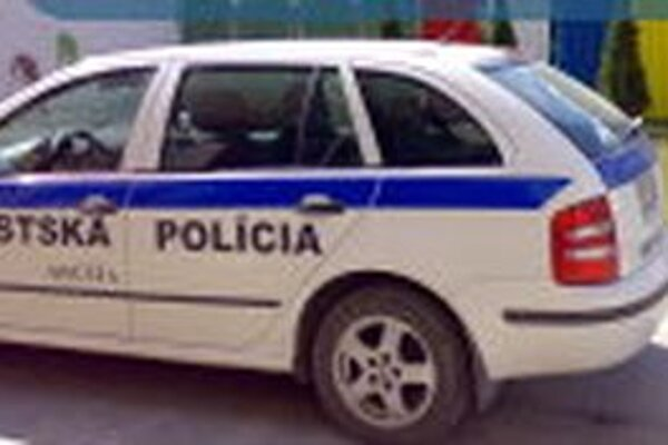 Mestskej polícii v Hnúšti doteraz pomáhala pri zisťovaní alkoholu v krvi štátna polícia, ktorá jeden prístroj vlastní.