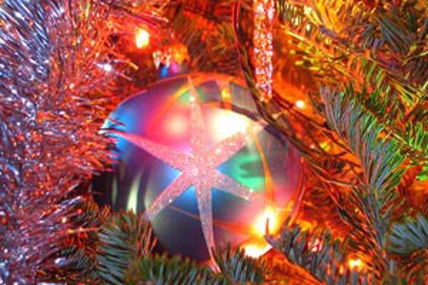 Počas vianočných sviatkov zamestnanci OZ už tradične pomáhajú svojim klientom.