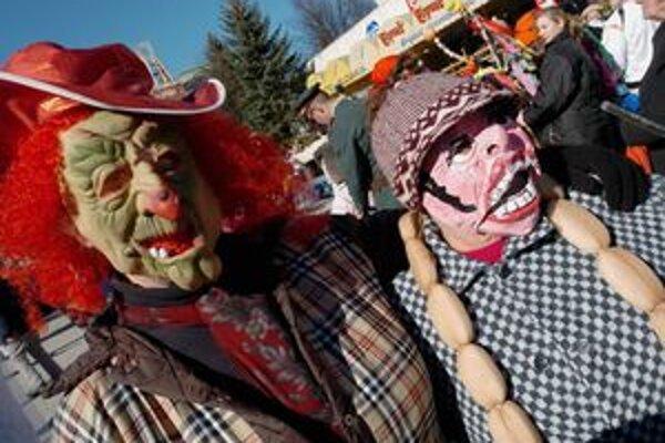 Dnes sú fanšiangové masky zábavou, v minulosti však mali rituálny význam.