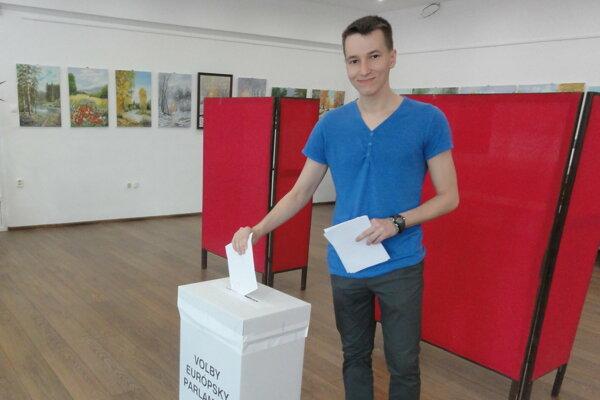 Voľby v novozámockom okrsku 34.
