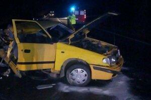 Tragická nehoda si vyžiadala dva životy.