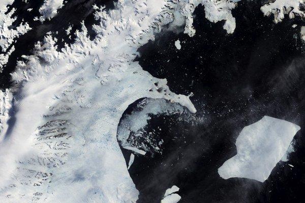 V roku 2002 odpadlo z B časti Larsenovho ľadového šelfu viac ako 6600 štvorcových kilometrov.