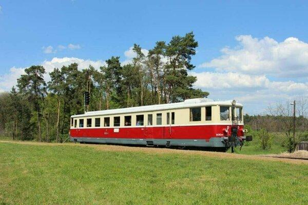Horehronský expres turistov prevezie unikátmi národných parkov.