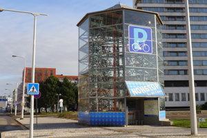 Prvú cyklovežu v Hradci Králové použilo od februára 2013 50-tisíc cyklistov.