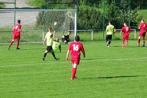 Rabča (v červenom) vyhrávala už 6:0.