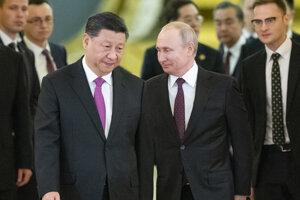 Čínsky prezident Si Ťin-pching v Moskve na stretnutí s ruským prezidentom Vladimirom Putinom.