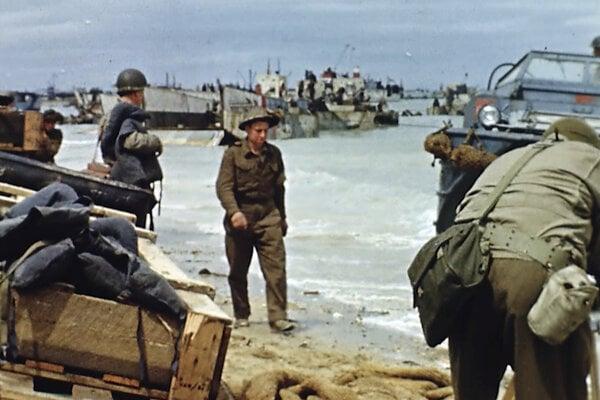 Vylodenie na pláži v Normandii.