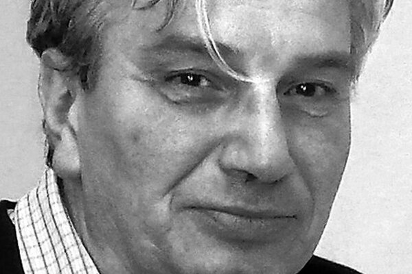 doc. PaedDr. Pavol Parenička, CSc. je pracovníkom Slovenského literárneho ústavu Matice slovenskej