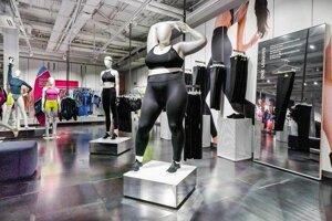 a659b2d90 Nike má v predajni bacuľaté figuríny. Chce, aby športovali všetky ženy