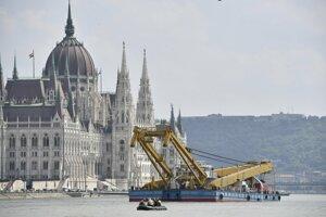 Polícia uzatvorila v Budapešti Árpádov most a Margitin most.