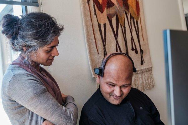 Na fotografii z 22. marca 2018 je vedec Rahul Desikan s manželkou Mayou.