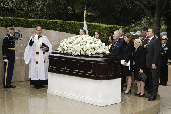 Pohreb Nancy Reaganovej.