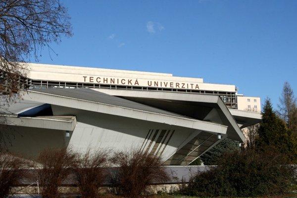 Sokratov inštitút pôsobí pri Technickej univerzite vo Zvolene.