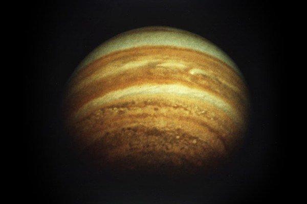 Plynný obor Jupiterprispel k vzniku našej planéty.