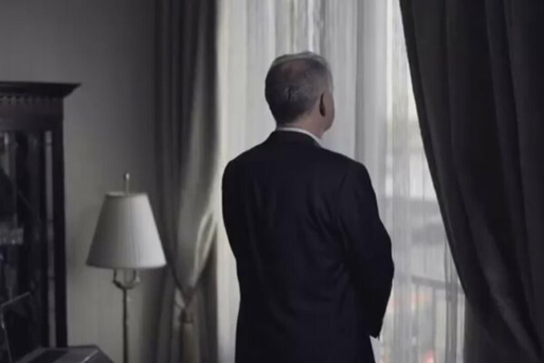 Andrej Kiska avizoval založenie strany videom s dramatickými prvkami.