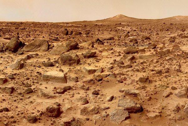 Na suchom, kamenistom a chladnom Marse možno žijú mikroogranizmy, ktoré vylučujú metán.