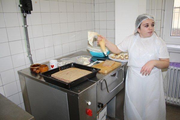 Koláče vlani pokazili Oravčanom niekoľko slávností.Vajcia stoja za väčšinou prípadov salmonelózy.Nechtový dizajn živí na Orave päťdesiat ľudí.