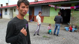 Razia v Moldave: Z obetí sa stali páchatelia (video)
