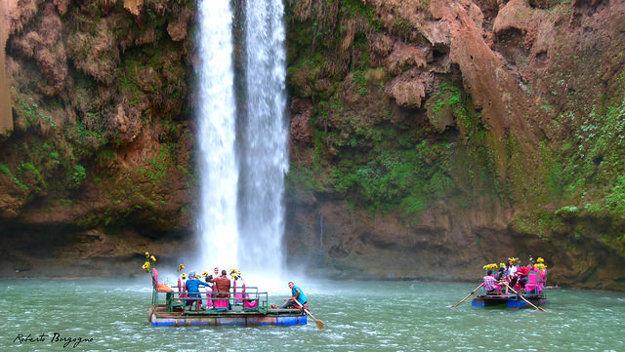 Maroko sa považuje za púštnu krajinu. Nájdete tu však aj množstvo zelene, riek a vodopádov. Jedným z nich je 110 metrov vysoký Ouzoud.