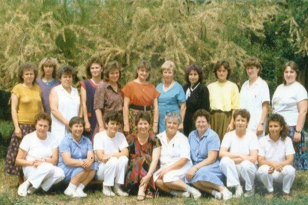 Kolektív MŠ s jasľami na Poľnej ulici v Leviciach v roku 1993-