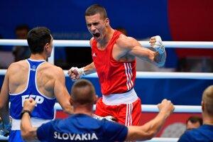 Zápas štvrťfinále hmotnostnej kategórie do 75 kilogramov Andrej Csemez (v červenom) - Miguel Cuadrado Entreno na II. Európskych hrách v Minsku.
