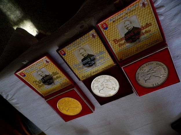 Za prínos vo včelárstve získal Viliam niekoľko ocenení.