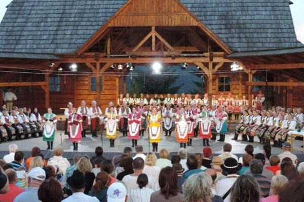 K lákadlám tohto víkendu budú patriť Horehronské dni spevu a tanca.