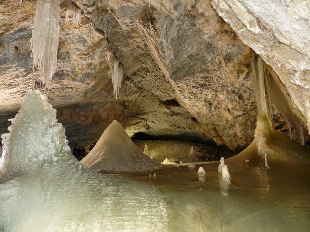 Dobšínská ľadová jaskyňa