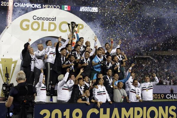 Radosť hráčov Mexika po výhre vo finále CONCACAF Gold Cupu 2019 proti USA.