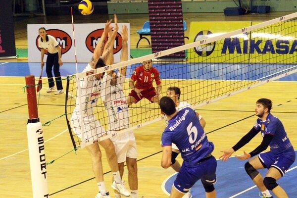 V prvom štvrťfinále Bystrina nezaváhala. Séria, hraná na dva víťazné zápasy, pokračuje v utorok v Prievidzi.