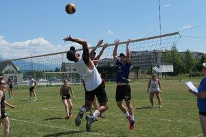 Na turnaji hral aj bývalí slovenský reprezentant vo volejbale Gabriel Chocholák.