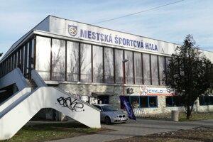 Športovú halu v Trnave plánujú zbúrať