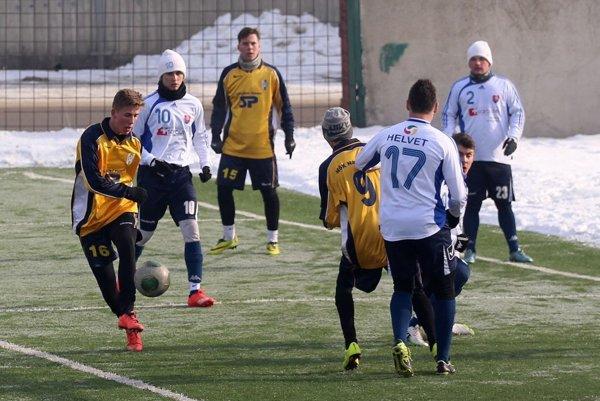 Námestovo (v žltých dresoch) sa na Kysuciach prezentovalo výbornou defenzívou.