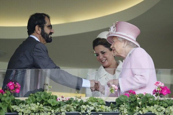Dubajskému šejkovi ušla manželka Hája do Británie. Predtým sa často stretávali s britskou kráľovnou Alžbetou.
