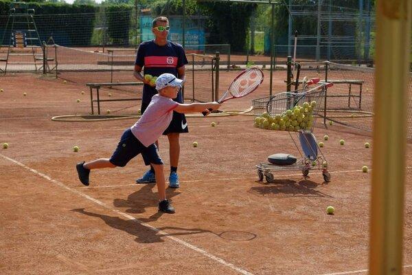 Tenis Club na Čerešňovej na jar skončil.