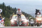 Nový držiteľ žltého dresu pre lídra Tour Giulio Ciccone po príchode do cieľa 6. etapy Tour de France 2019.