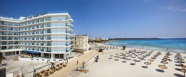 Universal Hotel Perla3*