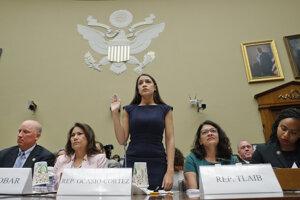Ocasio-Cortezová svedčila o podmienkach na hranici v Kongrese.