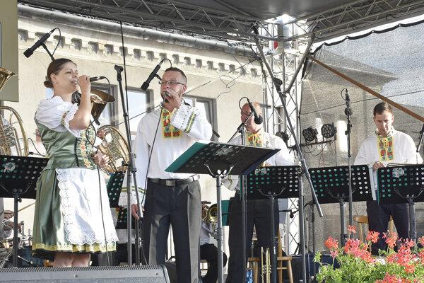 Dychová hudba Hodrušanka.
