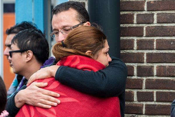 Ľudia po útokoch v Bruseli.