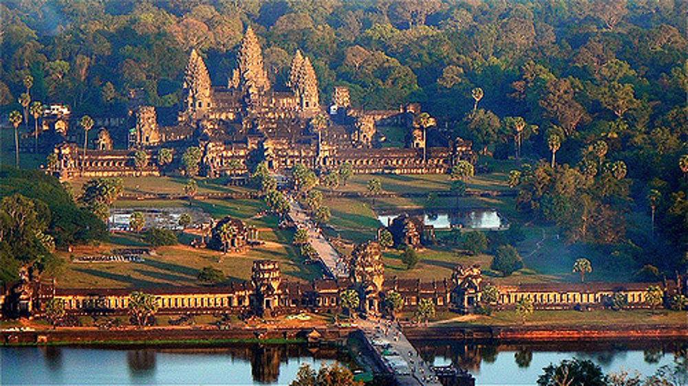 Angkor Watt počas východu slnka.
