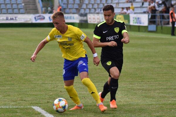 Matej Trusa (vľavo) sa proti Žiline dostal do viacerých dobrých šancí, gólovo sa však nepresadil.