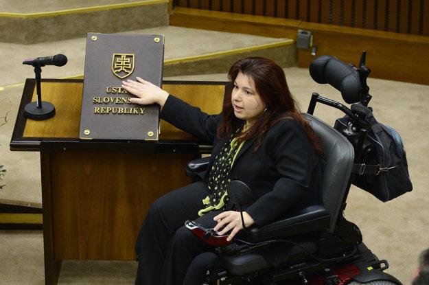 Silvia Petruchová skladá sľub.
