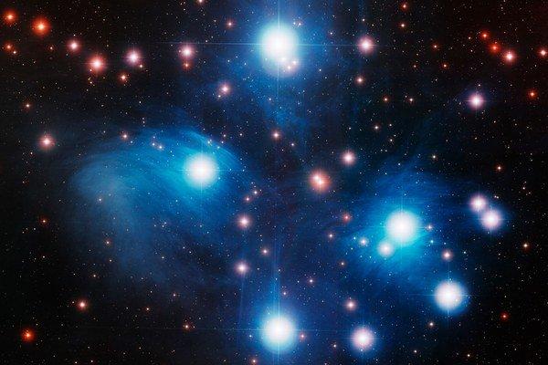 Plejády v súhvezdí Býka sú viditeľné aj voľným okom a ľudia ich poznajú niekoľko tisícročí.