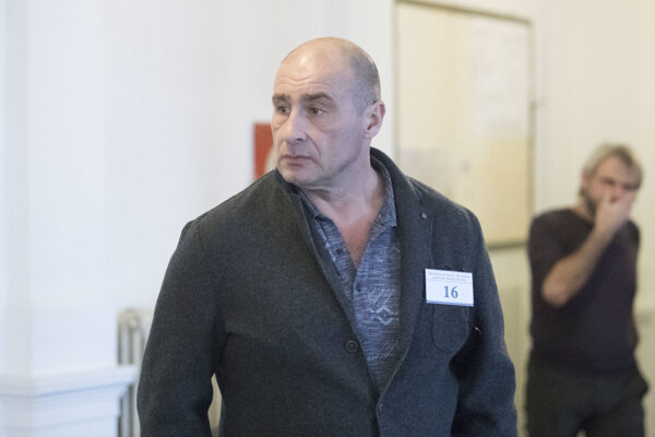 Údajný boss nitrianskeho podsvetia Ľuboš F. na Špecializovanom trestnom súd v Banskej Bystrici.