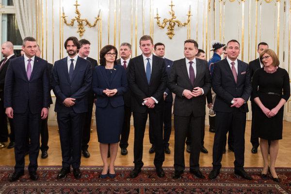 Kiska vymenoval nových členov vlády.