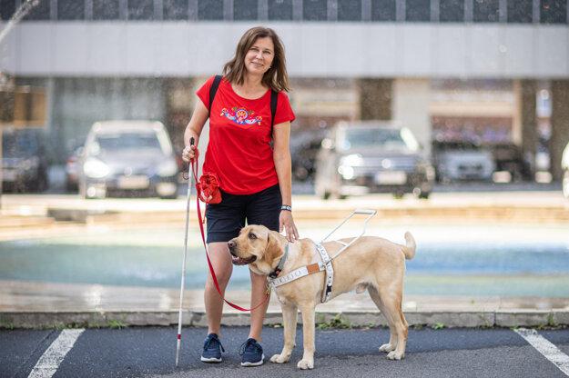 Jana Krištofová so psom Dylanom.
